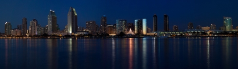 San Diego from Coronado. Closer definitely gets more details, but the earlier shot works on a different level.